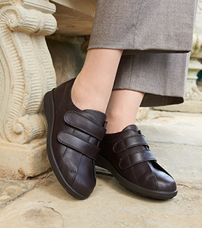 1442b0346 Why Wider Fit Shoes are perfect for wide feet | Wider Fit Shoes